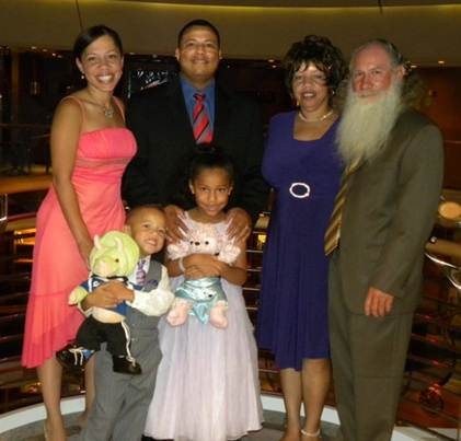 Lucy Abreu, her children, spouse and her parents.
